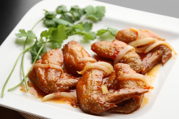鶏の手羽先・ヌクマム風味